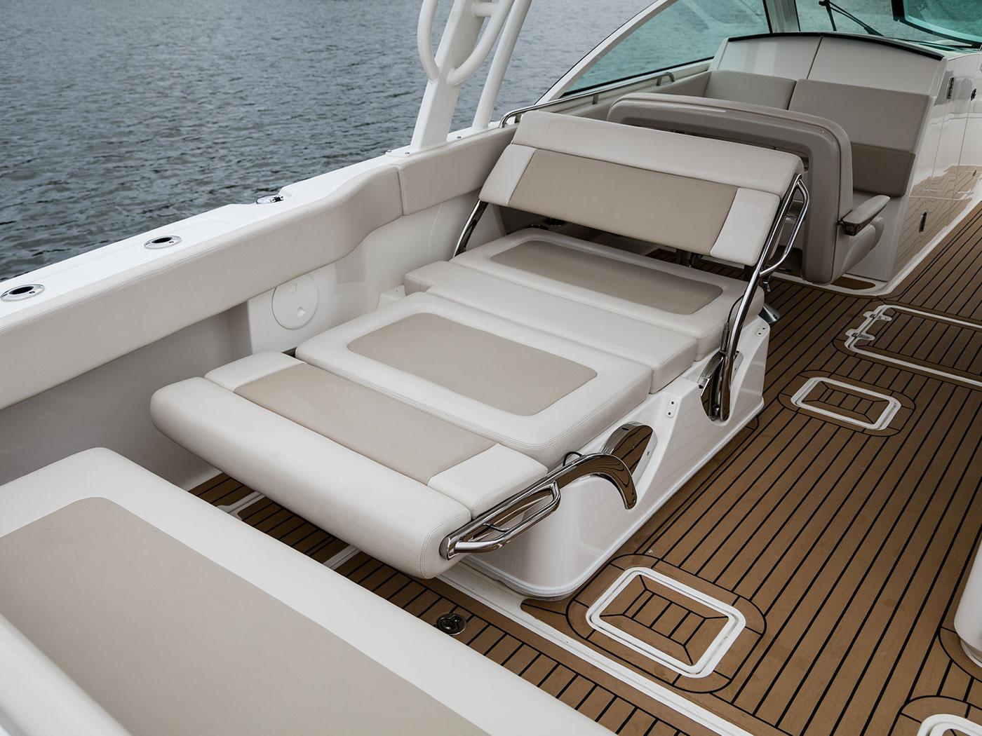 Boat Design of the Unsinkable Legend | Boston Whaler