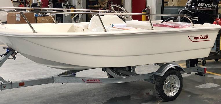 110 Sport Model | Boston Whaler