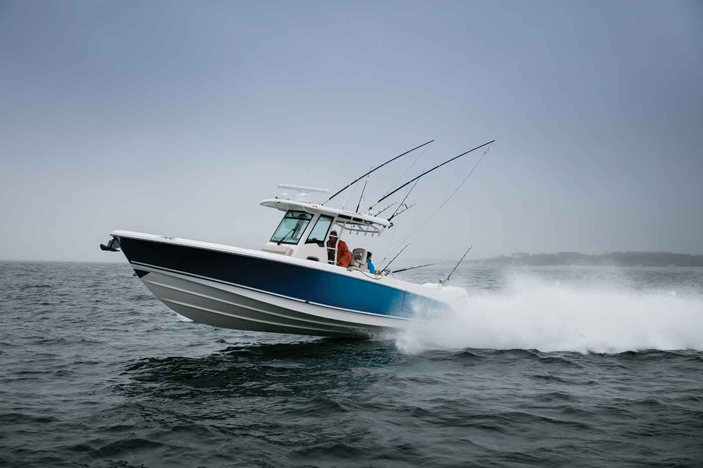 330 Outrage Boat Model | Boston Whaler