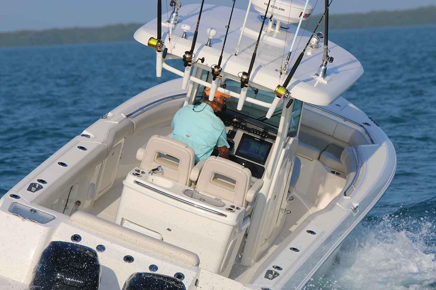 280 Outrage Boat Model | Boston Whaler