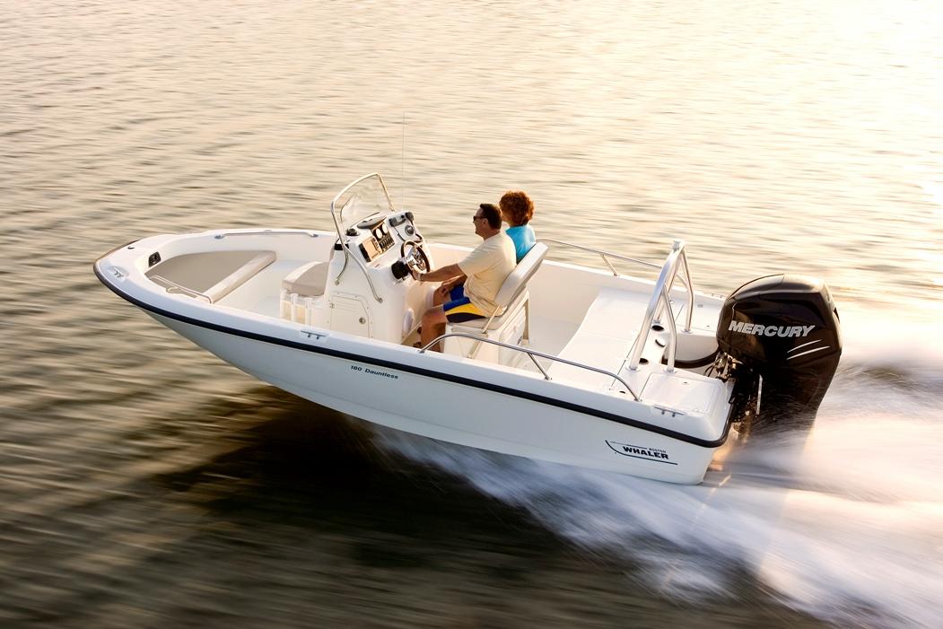 180 Dauntless Boat Model | Boston Whaler