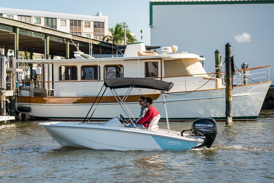 130 Super Sport NEW Model | Boston Whaler
